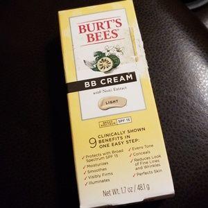 Burt's Bees BB Cream in Light